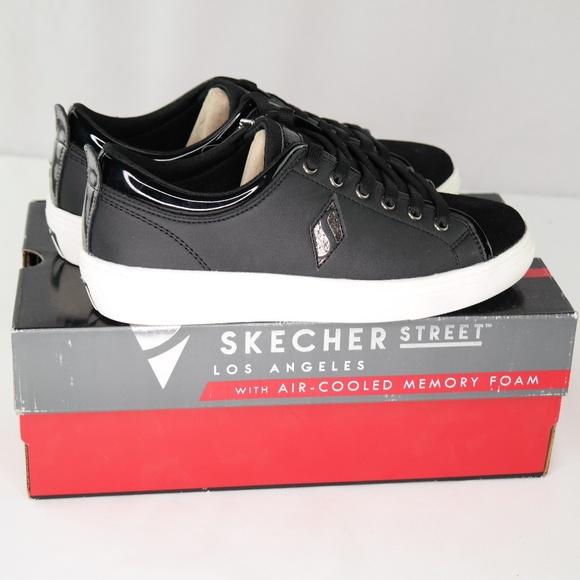 Skechers Goldie Street Sleak Sneakers Sz 6 NWT